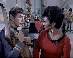 stories/10792/images/spock_and_uhura_5.jpg
